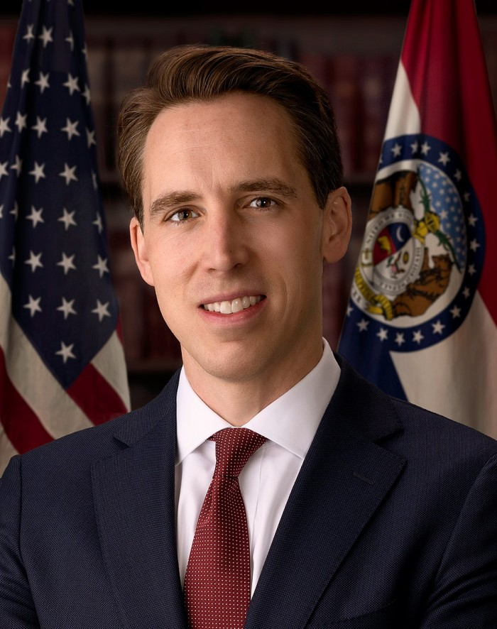 946px-Josh_Hawley,_official_portrait,_116th_congress.jpg