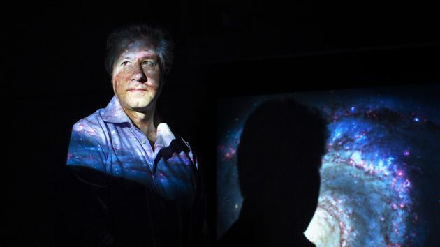 埃里克·弗尔林德等人提出了一项建议:在时空的真空泡沫中直接寻找引力子的噪声