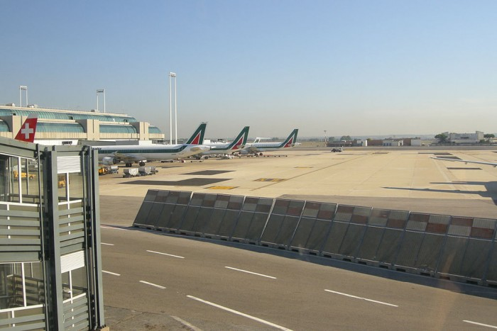 1024px-Rome_Leonardo_da_Vinci_(Fiumicino)_Airport_01.JPG
