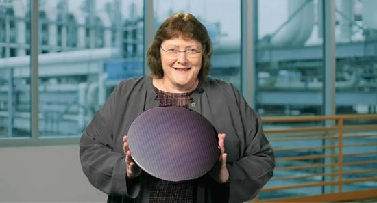 英特尔高级副总裁兼技术开发总经理Ann Kelleher博士