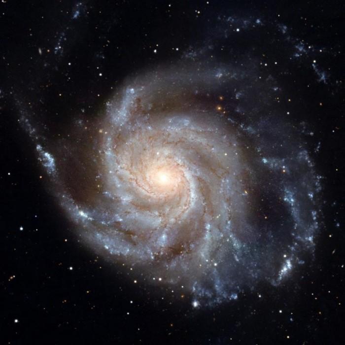 Messier-101-Pinwheel-Galaxy-Hubble-777x777.jpg